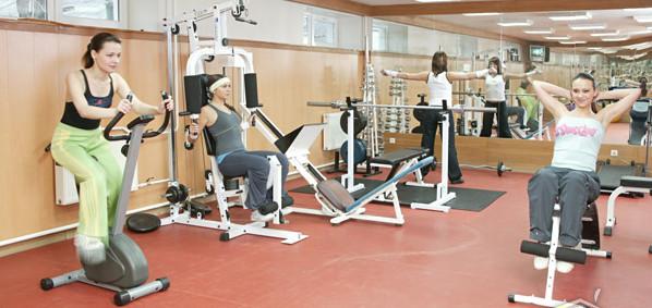 Упражнения для похудения живота и боков в тренажерном зале для женщин