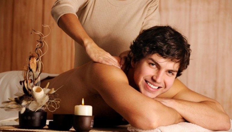 Расслабляющий массаж мужчине и женщине